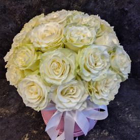 белые розы купить в москве с доставкой