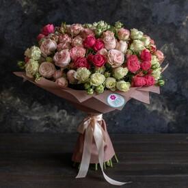 мелкие кустовые розы букет
