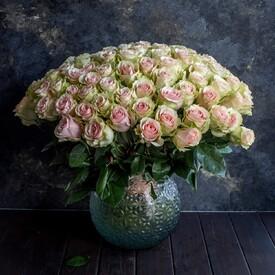 цветы жене